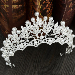 Wholesale diamond wedding headpieces - Brilliant Pearls Diamond Wedding Crowns Bridal Headpieces Headbands Women Crystal Jewelry Tiaras Wholesale Party Birthday Hair Accessories