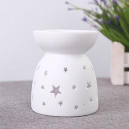Forni in ceramica online-Bruciatore di incenso delicato fragranza ceramica lampada moda scavata fuori aroma fornello candela forno a olio complementi arredo casa 4 F Rkk