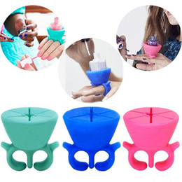 Wholesale Soft Silicone Ring - Soft Silicone Finger Wearable Nail Gel Polish Bottle Holder with Ring Creative Nail Art Tools Nail Art Equipment Polish Finger Holder