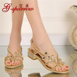 Wholesale Party Sandals Online - 2017 New Summer Womens Gold Elegant Shoes Heels Crystal Diamond Flat Bridal Wedding Sandals For Ladies Online SQX