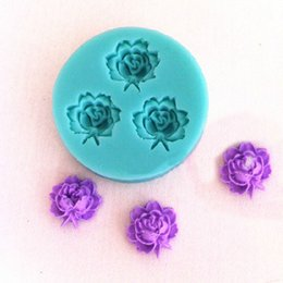Wholesale 3d Chocolate Rose Mold - Wholesale- 4.8*4.8cm 3D Rose Flowers Fondant Cake Cookie Chocolate Soap Mold Cutter Modelling Tools Random Color