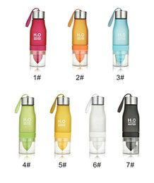 Wholesale Travel Juice Cup - 2017 New Color 601-700ML H20 Water Bottle Portable Juice Lemon Fruit Infuser Cup Outdoor Sports Travel Water Cup Drinkware Gift