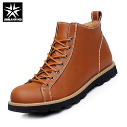 Wholesale pig large - Wholesale-Best Seller Men Ankle Boots Black   Brown Color Large EU 38-44 Autumn Men Leather Boots Sewing Pattern Casual Men Boots