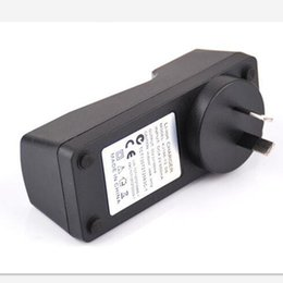 Universale 4.2 v 650 mA 18650 18350 26650 14500 caricabatterie au plug per sigaretta elettronica e cig torcia batterie spedizione gratuita cheap plug flashlight da torcia elettrica della spina fornitori