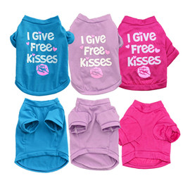 Wholesale Shirt Kiss - L044 Clothes for Dogs Pet Dog Clothes for Small Medium Dog Coats Jacket All for Pets Apparel Cheap print I GIVE FREE KISSES 5