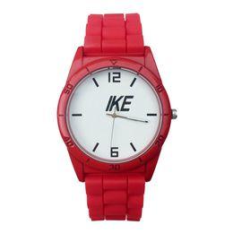 Reloj de pulsera de cuarzo con banda de silicona para hombres de NI Brand. desde fabricantes