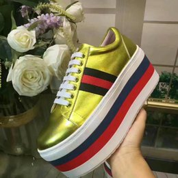 Wholesale Hot Joker - Hot Selling New Arrival Flat Fashionable Joker Women Casual Shoes Bottom Thick Height Increasing Black White Gold Shoes Original Box