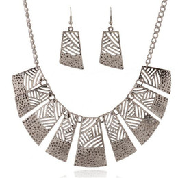 Wholesale Cheap Christmas Necklace Sets - Wedding African Jewelry Sets Cheap Charms Alloy Plated Statement Choker Necklace Earrings Jewelry Set Dubai Woman Party Christmas Presents
