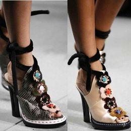 Wholesale chunky heel slingback shoes - Slingback Ankle Boots Women Bohemian Summer Leather Gladiator Sandals With Multicoloured Flowers Mary Jane Shoes Cross-over Dress Shoes