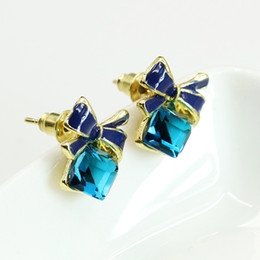 Wholesale Rhinestone Peridot - Hot Selling Fashion Chic Shimmer Gold Bow Blue Cubic Crystal Earrings Rhinestone Anti Allergy Stud Earrings For Women Jewelry