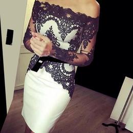 2019 vestidos de cóctel mangas hasta la rodilla Vestidos de cóctel de encargo de la longitud del cordón blanco y negro de la rodilla con el vestido de fiesta corto del cuello del barco de las mangas largas 2017 nuevos vestidos de cóctel de la moda rebajas vestidos de cóctel mangas hasta la rodilla