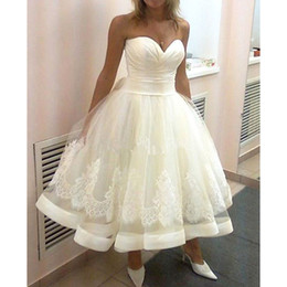 Wholesale tea length ball gown dresses - US2-26W++ Sweetheart Short Wedding Dresses Ball Gown Bridal Appliques Latest Design Tulle Tea Length Bridal Gowns Hot Sale Modern
