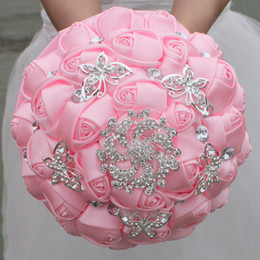 Wholesale pink roses bridal bouquets - Pink Wedding Bridal Bouquets Handmade Flowers Sweet 15 Quinceanera Bouquets Pearls Crystal Rhinestone Rose Bridal Holding Brooch W292-4