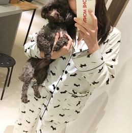 Argentina Al por mayor- Nuevo 2017 pijama Sets mujeres Dachshund Print 3 piezas Set manga larga Top + pantalones cintura elástica + Blinder Suelto casawear S74407 Suministro