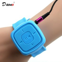 Argentina Venta al por mayor - Superior Sport relojes reproductor de mp3 Soporte portátil 32GB Tarjeta Micro SD TF Reproductor de música MP3 deportivo impermeable cheap portable watch mp3 player Suministro