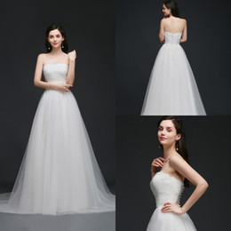 Wholesale Tulle Strapless Tops - 2018 New Elegant Simple Strapless Garden Wedding Dresses Lace Top Soft Tulle Beach Wedding Gowns Summer Cheap Wedding Gowns Robe CPS762