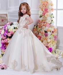 Wholesale Ball Gown Romantic - 2016 Romantic Champagne Flower Girl Dress for Weddings Organza with Appliques Ball Gown first communion dresses for girls
