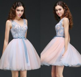 Wholesale modern junior bridesmaid dresses - 2018 New Designer In Stock Short Homecoming Dresses Lace Appliqued Corset Back Cocktail Party Gowns Cheap Junior Bridesmaid Dress CPS658