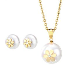 Wholesale Fashionable Necklace Pearl - Fashionable A Set of Necklace Stub Earrings Jewelry Set Artificial Pearl Pendant Necklace with Little Flowers Titanium Steel
