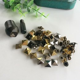 Wholesale Rivets 12mm - Free shipping 5mm 6mm 7mm 8mm 9mm 10mm 12mm 100PCS Pyramid Studs Rivets Spots Nickel Punk Bag Belt Leathercraft Silver