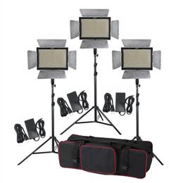 Suporte de braço on-line-Kit de iluminação de estúdio 3 pcs Yongnuo YN900 3200-5500K CRI 95 + 900 Luz de Vídeo LEVOU + adaptador de energia + controle remoto + 2 m suporte + boom braço + saco