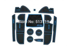 Por xícara on-line-O carro Não-Deslizamento interior copo coxim Tapete de porta cobre Tapete de Copo adesivos Apto Para Ford Kuga 2013 12pcs por jogo