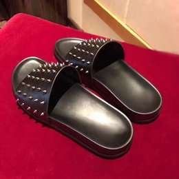 Wholesale Red Bottom Booties - 2017 New Summer Luxury Men Black Leather Spikes Red Bottom Sandals Slipper Indoor Outdoor Slipper Fashion Sandal shoes