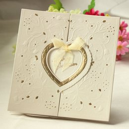 роскошные свадебные пригласительные билеты Скидка Wholesale-New Arrival 20 PCS Laser Cut Love Heart Shining Wedding Invitations Luxurious Wedding Invitation Cards Wedding Centerpieces
