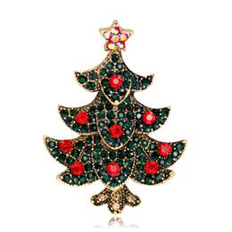Albero di natale di cristallo d'oro online-Moda albero di Natale Spilla Antique Gold / Silver Spilla Pins Red Green Crystal Strass Spille per le donne Gioielli di Natale come regalo