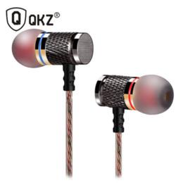 QKZ DM6 Enthusiast Bass Ear Earphone Forja de cobre 7MM Shocking Headset Micrófono antiruido Calidad de sonido Fone De Ouvido desde fabricantes