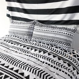 Wholesale Custom Queen Bedding Set - American custom size and Australian custom size black and white simple triangle and stripe style bedding sets