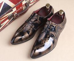 Zapatos de boda tamaño 37 online-tamaño grande 37--50 Marca de lujo Pisos para hombres Hombres Zapatos de charol Zapatos Oxford clásicos para el novio Diseñador de zapatos de boda