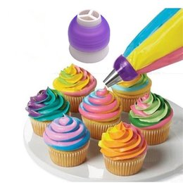 Wholesale Cupcake Decorating Bags - Wholesale- Icing Piping Bag Nozzle Converter Tri-color Cream Coupler Cake Decorating Tools For Cupcake Fondant Cookie