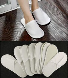 Wholesale Disposable Travel Slippers - Nice New 50 Pairs One-time Slippers Disposable Shoe Home White Sandals Popel Babouche Travel Shoes Fashion