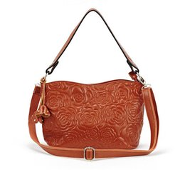 Wholesale Fashionable Messenger Bags Women - Wholesale-Women's 100% genuine Leather Floral embossed messenger bags female rose flower handbags one shoulder Fashionable