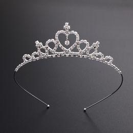 Tiara de diamante princesa online-Niños Señora niñas de la horquilla de la princesa corona cristalina de plata del aro del pelo de la joyería nupcial del partido tiara del desfile de la tiara del diamante diadema accesorios para el cabello