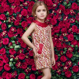 Wholesale Knee Length Chinese Dresses - 2017 Cheap Knee Length Girls Dresses Fora Printed Russia Ukraine Little Kids Party Dresses Crew Neck with Pockets Cotton MC1087