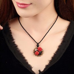 Wholesale Vintage Red Stone Pendant - 2017 new vintage handmade Necklaces & Pendants short Jewelry for women wholesale flower Natural Stone Chinese tradition free shipping