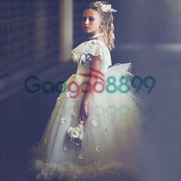 2019 veste de penas Fabuloso Robe de bal Fille Ruffles Little Girl Dress Formal Cap Mangas Pageant Princesa Vestido Feather Rosette Infantil Vestido veste de penas barato
