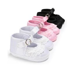 più 100 disegni nuovo arrivo pizzo bambino primo camminatore scarpe all'ingrosso bianco e nero colore 6 pz / lotto stile gatto di buona qualità da
