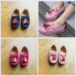 DHL all ingrosso Mocassini bambini ragazze scarpe 2017 primavera bambini  scarpe in vera pelle morbida suola moda nappa Baby Girl Shoes sconti scarpe  di ... 7629f0fd14f