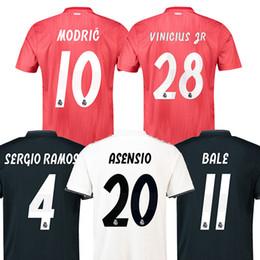 S-3XL 2018 2019 real madrid soccer jersey 18 19 BALE Camiseta de futbol  Isco real madrid James MODRID benzema ASENSIO maillot f7459959f