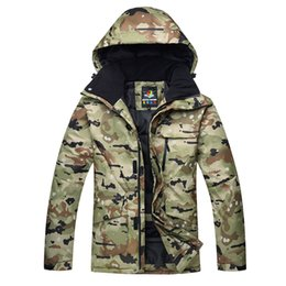 2019 giacca camouflage neve Giacche da sci maschili Camouflage uomini impermeabili antivento caldo invernale Giacche da snowboard all'aperto sci vestiti giacca camouflage neve economici