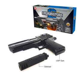 Wholesale Bullet For Toy Gun - 2018 New Black Color gun toy for Desert Eagle plastic gun toy can lauch small BB bullet cool toy for child Size 1:1