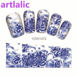 Nail art designs bleu blanc en Ligne-1 feuille de transfert d'eau Nail Art Autocollant Decal Bleu et Blanc en Porcelaine 3D Imprimer Conception Manucure Conseils DIY Nail Foils Décorations
