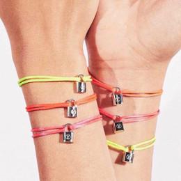 Schmuck für paris online-Luxus-Stil Silber Lockit Armband mit Locking Kopf Paris Design für Frauen und Männer Handschlaufe machen ein Versprechen Paar Armbänder edlen Schmuck