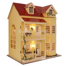 miniature in legno diy Sconti A010 grande diy casa delle bambole in legno villa casa di bambola modello di arredamento miniature per la decorazione in miniatura giocattoli di modello