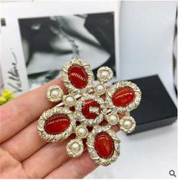 pequeños alfileres de mariposa Rebajas Marca de moda diseñador grande broche de diamantes ágata accesorios de ropa broche genuino chapado en oro joyería