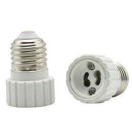Lámpara de luz cfl online-E27 a GU10 Soportes de portalámparas GU10 Tornillo Bases de bombilla Halógena CFL LED Socket de luz a E27 Convertidor de adaptador de lámpara 12PCS