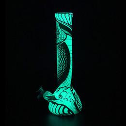 Texture cobra Glow in the dark beaker base 13.5 '' alta Silicone tubo di acqua stampa vetro bong tubo di acqua di vetro dab olio rig cheap texture glass da vetro di struttura fornitori